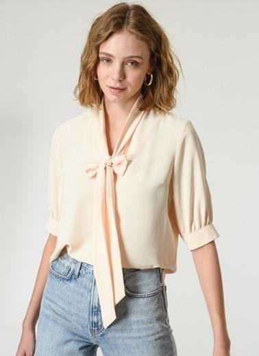 NGSTYLE Kadın Fular Detaylı  Bluz NGKSS21BL0005 Krem